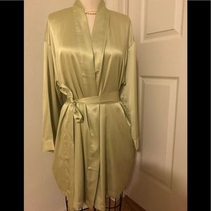 EUC Victoria Secret small lounge night robe